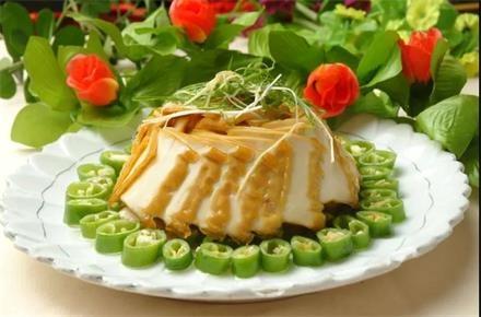 青椒蒸法新盐豆腐